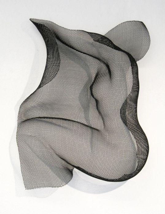 14848ff4ea903bd2c3eebf1feaf07c32--wire-sculptures-wire-mesh